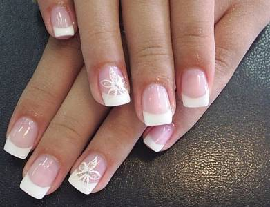 french-manicure